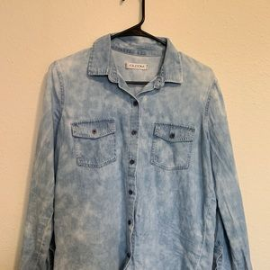 Volcom button up white wash jean shirt